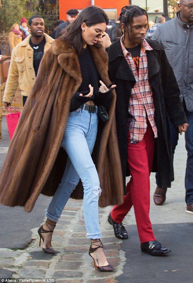 Kendall Jenner a fait un rapide voyage shopping dans la capital de Paris avec A$ap Rocky. Photos Kendall Jenner et A$AP Rocky :