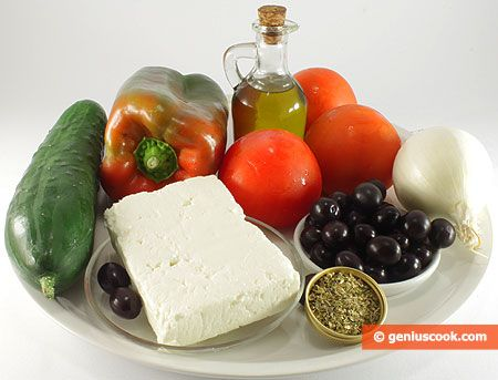 How to Make the Greek Salad