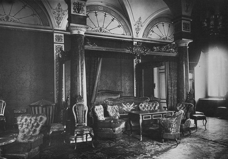 Empress Maria Alexandrovna's boudoir, Winter Palace 1917