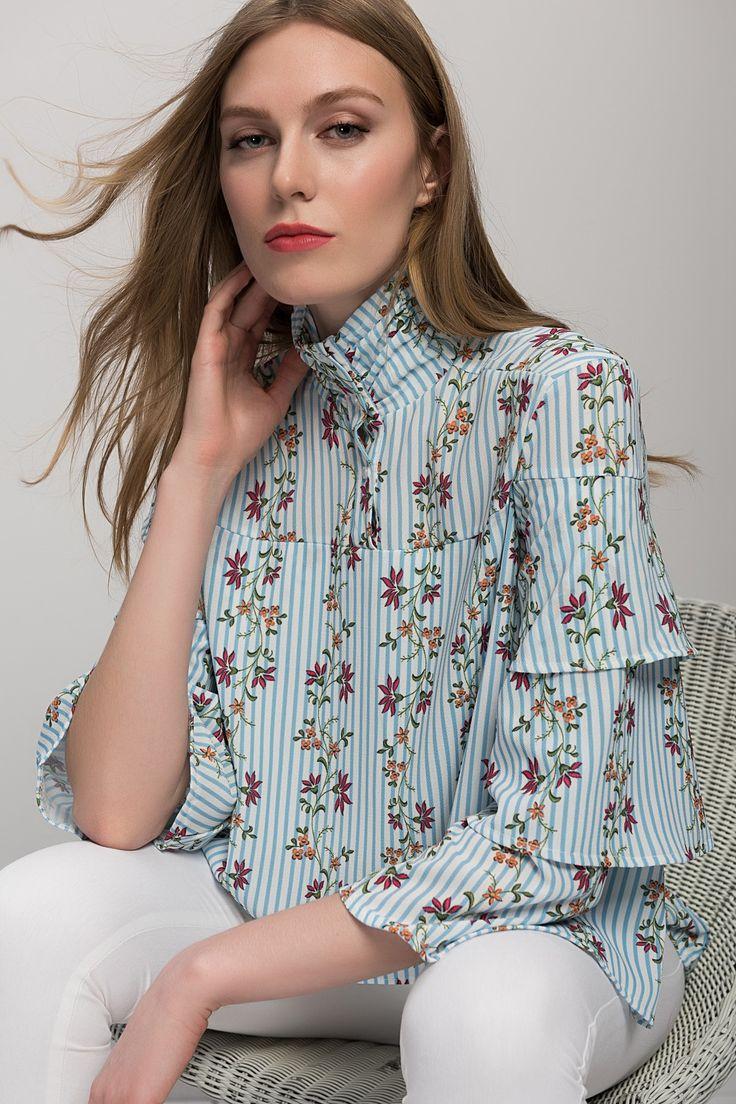 Kadın Mavi Çizgili Çiçek Desen Bluz Y-London | Trendyol