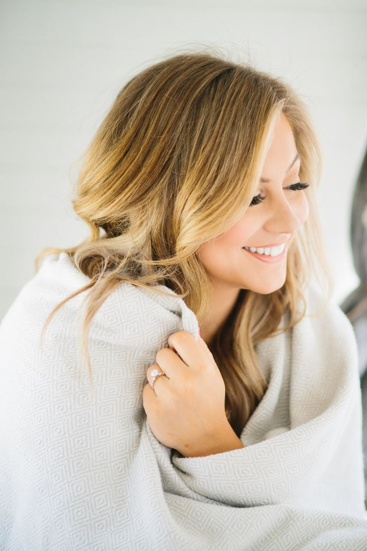 Photography : Wild Native  Read More on SMP: http://www.stylemepretty.com/2016/04/16/gold-medalist-shawn-johnson-shares-her-adorable-engagement-photos/