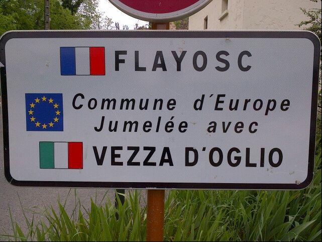Nuttige informatie en tips over Flayosc. Dit mooie Provençaalse dorp ligt 7 km van Draguignan, 15 km van Salernes en 7 km van Lorgues.