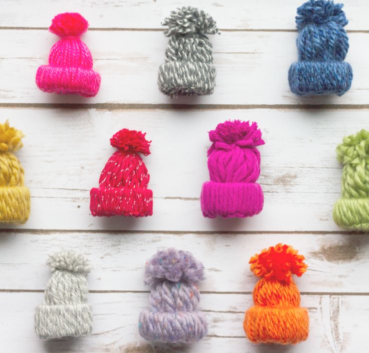 3020 best christmas crafts images on pinterest christmas ideas tiny diy yarn hat ornaments solutioingenieria Gallery