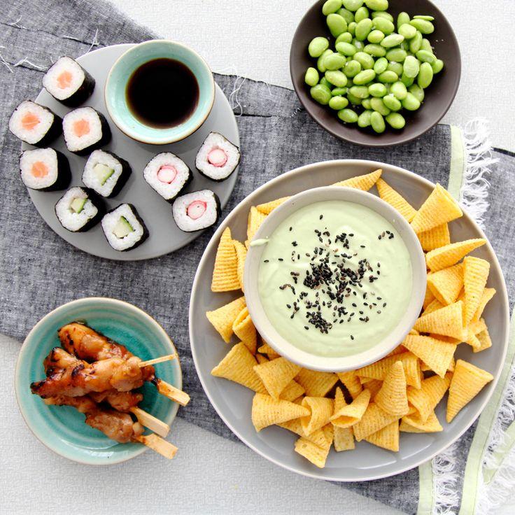 Gesponsord artikelIk hou van thema's voor etentjes, verjaardagen, ontbijtjes, borrels etc te bedenken. Zo heb ik laatst een Japanse borrel gemaakt waar ik helemaal blij van werd. Nu horen er wat mij betreft wel chips bij een borrel en met Bugles kan je
