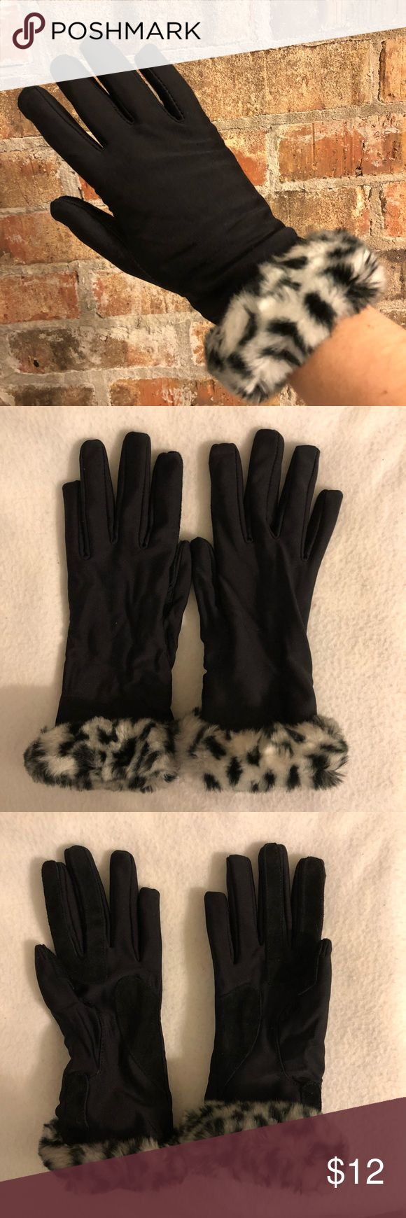 🎁 black faux fur gloves Black gloves with faux animal print fur. Leather-like pads on fingers/palms. Run small, no flaws Accessories Gloves & Mittens