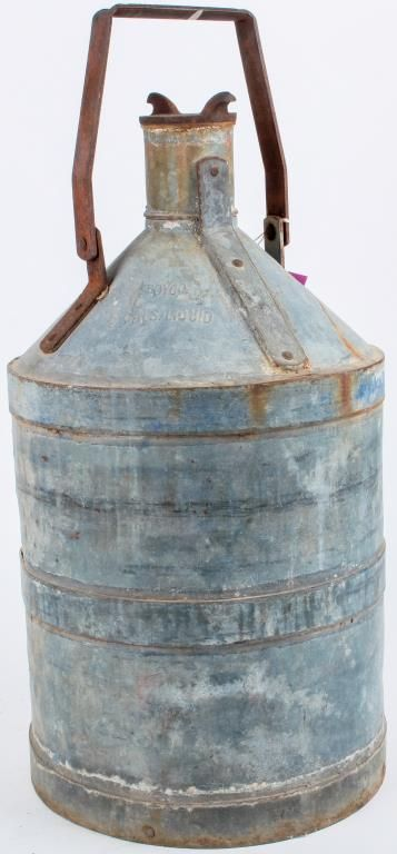 Lot 178 in the 10.3.17 auction! Antique vintage BOYCO 5 gallon oil or gas can in original unrestored condition. It has a BOYCO label on it - removable lid and original handle. The piece has great patina. This old fuel oil can is made of galvanized steel with a screw top lid, and it measure's 23 tall. This is a vintage item with typical usual wear. BOYCO definitely manufactured oil and gas cans. We haven't found any references to BOYCO milk cans or creamery cans. This is a hard item to find…