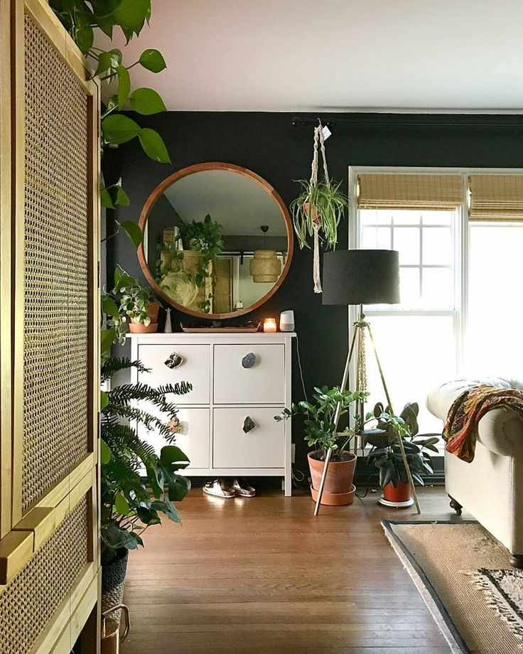 "Urban Jungle Bloggers™ (@urbanjungleblog) on Instagram: ""Magic mirror, on the wall... Who is the greenest one of all?"