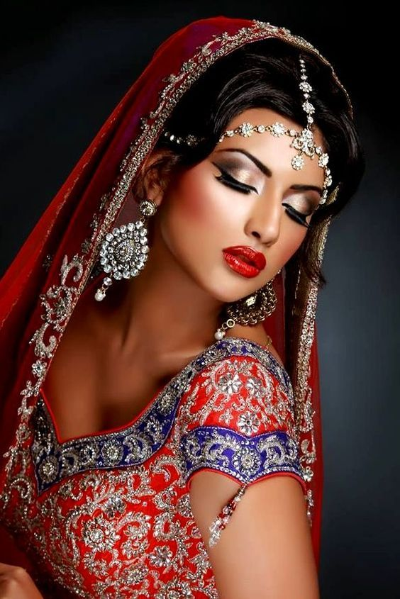 INDIAN & PAKISTANI DRESSES: