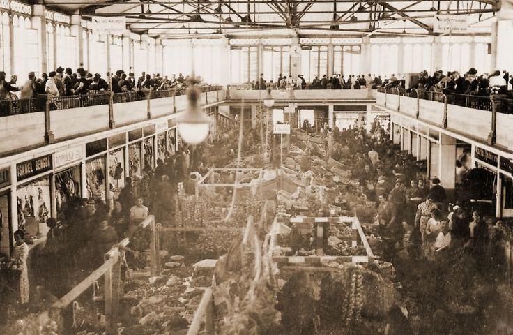 Interior antigua plaza de abastos Vitoria infancia..