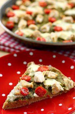 Csirkés pesztós pizza (paleo)