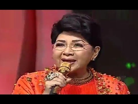 Konser Final 3 Besar Dangdut Academy 2 - Eyang Titik Puspa 'Gang Kelinci'