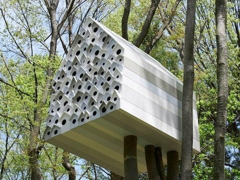 condomínio para pássaros e casinha para humanos   1  http://www.sac@bosso.com.br: Birdhouses, Japan, Birds Nests, Tree Houses, Treehouse, Birds Apartments, Birds House, Trees House, Design