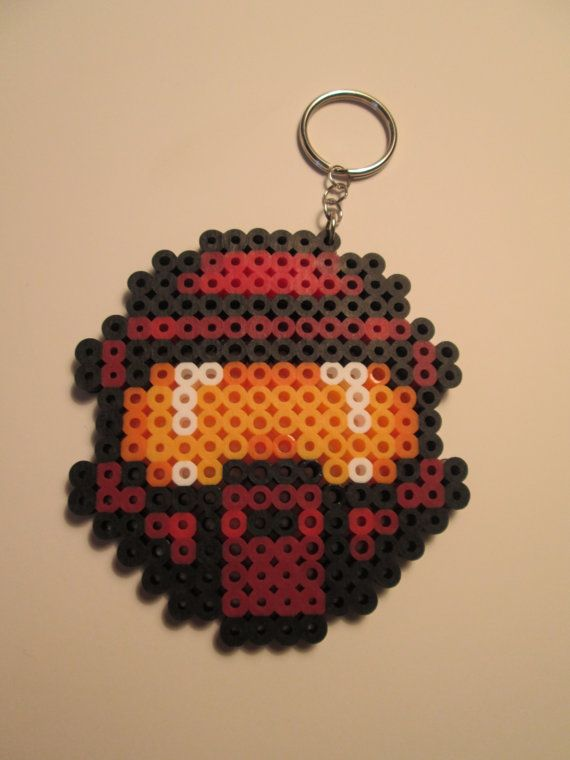 Hey, I found this really awesome Etsy listing at http://www.etsy.com/es/listing/164715780/halo-master-chief-helmet-perler-bead