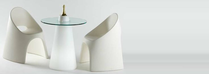 La table basse lumineuse Peak by Slide #design #deco #decoration http://www.decotendency.com/lumiere/table-basse-lumineuse-peak-slide-23952