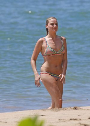34766edf95b Margot Robbie in Bikini on the Beach in Hawaii - GotCeleb ...