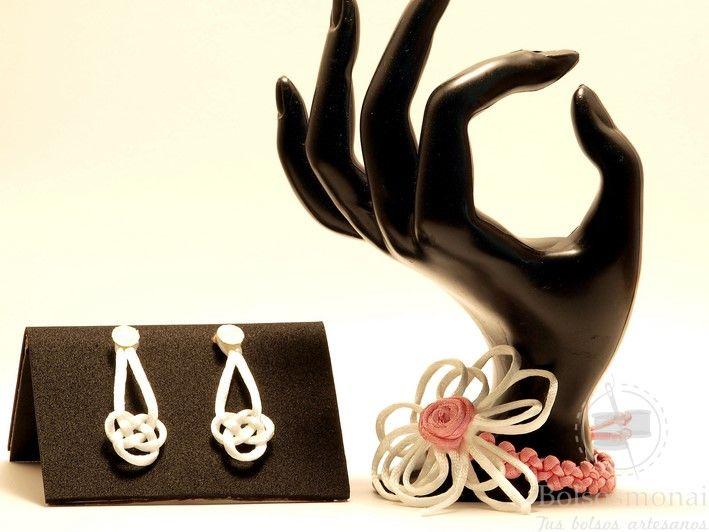 Conjunto pendientes y pulsera rosa