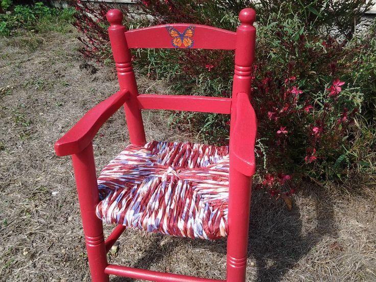 Fauteuil enfant en bois rouge et madras : Chambre d'enfant, de bébé par…