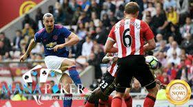 Zlatan Ibrahimovic dan Henrikh Mkhitaryan terus Manchester United di atas empat berburu dan mendorong Sunderland terhadap penurunan Premier League.