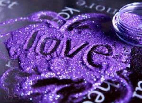 L'Amore è il nostro abbraccio continuo alla Vita. - Alda Merini