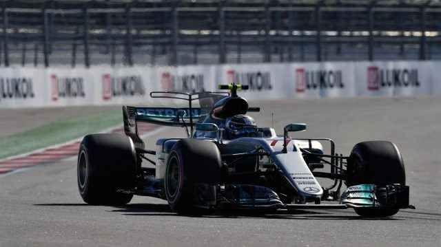 GP di Baku a due facce per la Mercedes Quello che l'anno scorso era stato denominato GP d'Europa, ma quest'anno è stato 'semplicemente' chiamato GP dell'Azerbaijan è stato un GP molto difficile per tutti, soprattutto per i piloti Mercedes #baku #mercedes #formula1