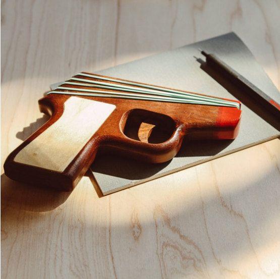 Pistola de goma modelo PPKnogal por ElasticPrecision en Etsy