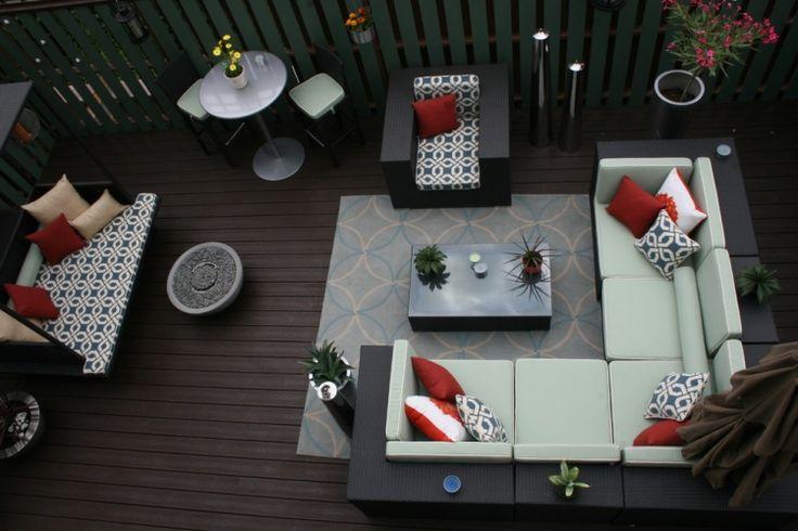 aménager-jardin-terrasse-coin-salon-rotin-coussins-tapis