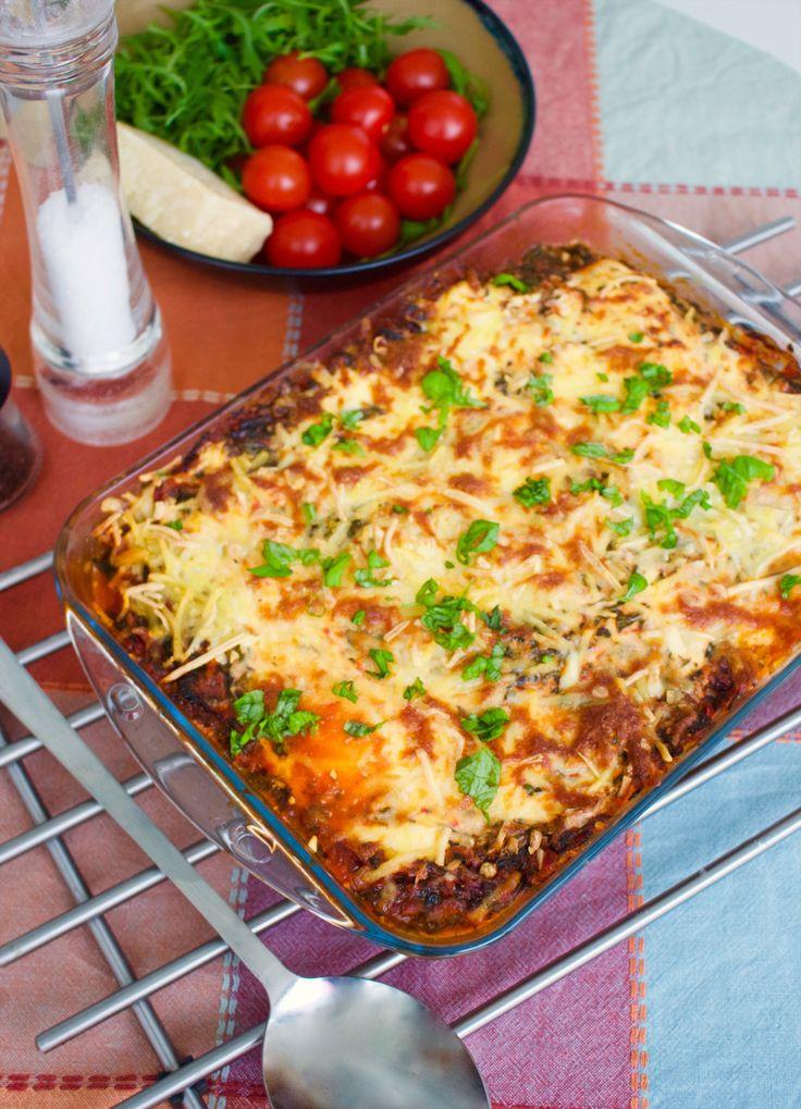 Vegetarisk lasagne gjord på zucchini istället för pasta. Ett gott och nyttigt sätt att äta mer grönt. Lättlagad och riktigt god!