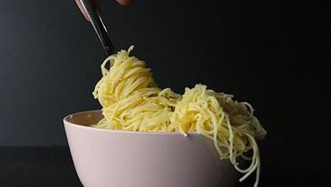 Spaghetti mit Venusmuscheln, Miesmuscheln und Kirschtomaten    MUNCHIES