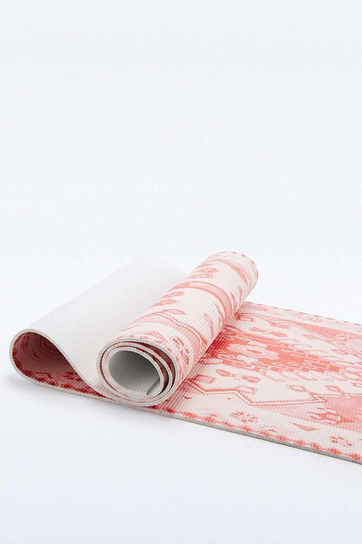 tapis de yoga imprim tapis rose vif a shopper pinterest urban outfitters tapis et yoga. Black Bedroom Furniture Sets. Home Design Ideas