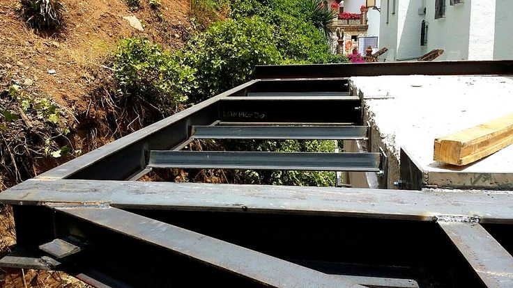 7 best ventanas y puertas images on pinterest - Casa estructura metalica ...