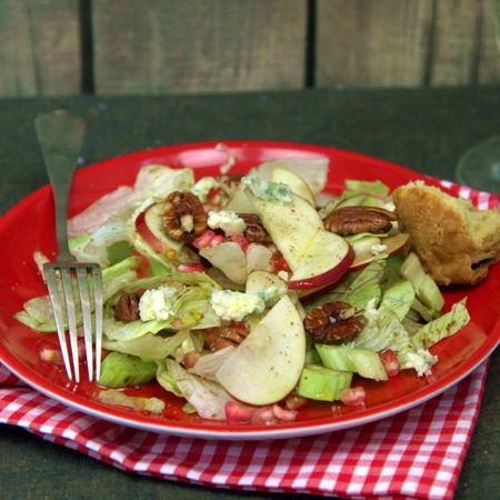 Egy finom Almás-gránátalmás saláta ebédre vagy vacsorára? Almás-gránátalmás saláta Receptek a Mindmegette.hu Recept gyűjteményében!