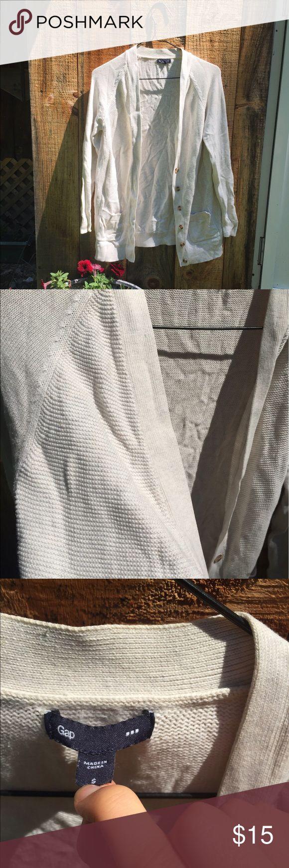 Gap Cardigan Cozy gap sweater that is a bit frayed on one pocket. GAP Sweaters Cardigans