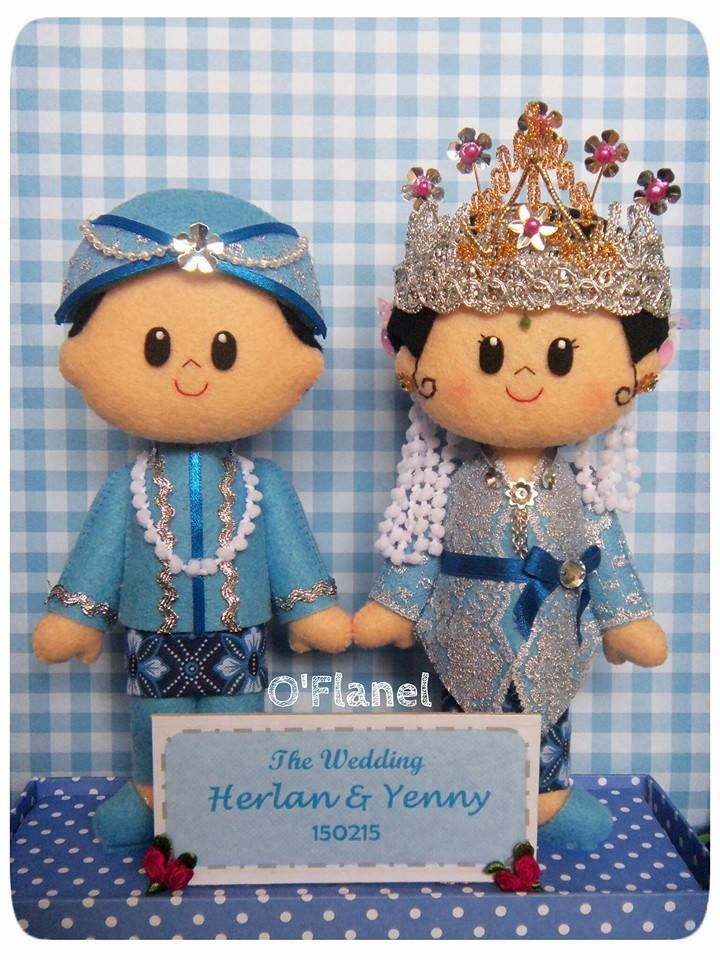 Sundanese royal wedding felt doll