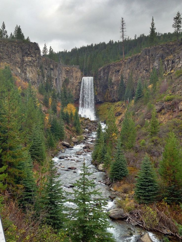Beautiful Tumalo Falls in Bend Oregon. Check out this easy hike plus other fun things to do when you visit Bend, OR.