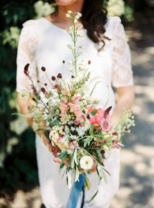 Un mariage simple et champêtre - La mariée aux pieds nus - Photo : Hanke Arkenbout