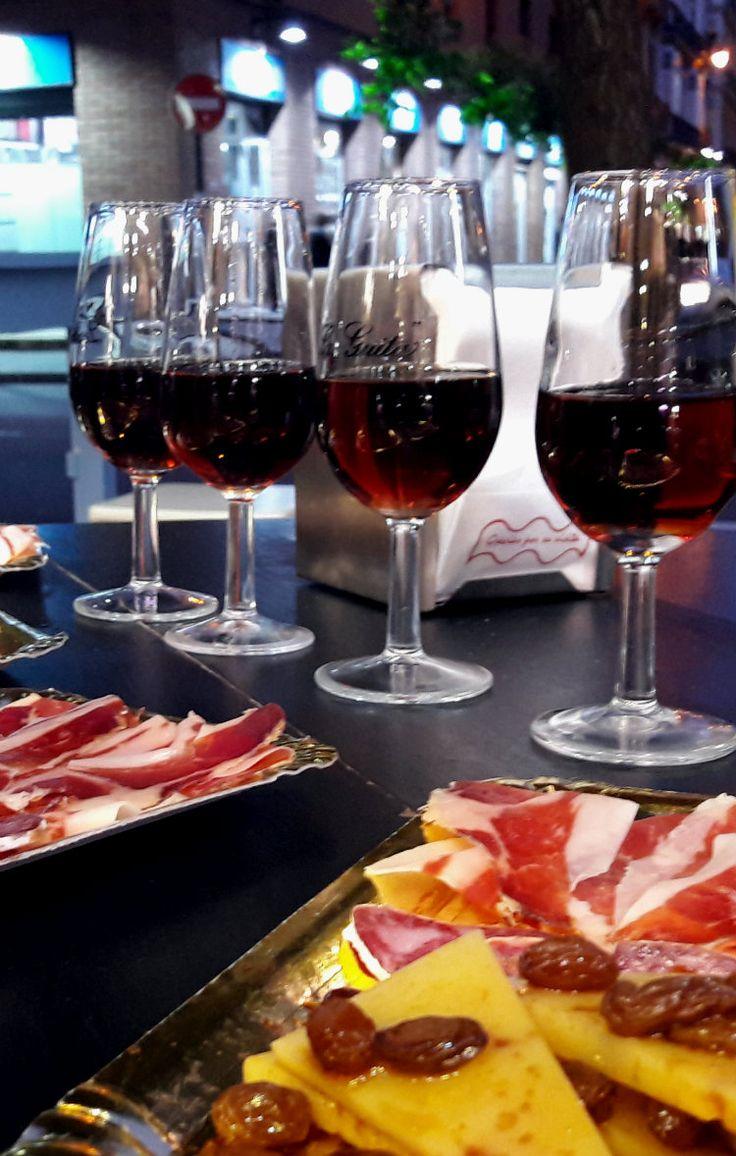 Mmm tapas in Malaga! Bekijk de leukste tapasbars en restaurants in Malaga, Spanje.
