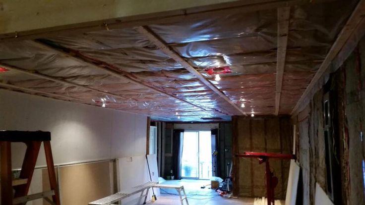 Strapping Livingroom renovations