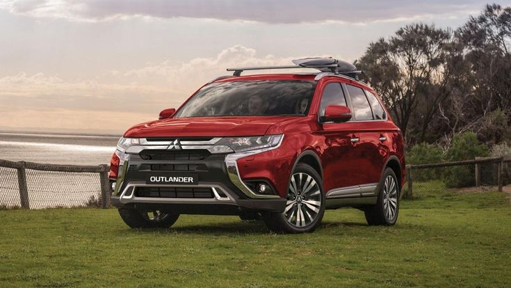 Mitsubishi Outlander 2020 Hướng Dẫn Những Tinh Huống Khiến Bạn Lung Tung Khi Vận Hanh Xe Trong 2020 O To Vans