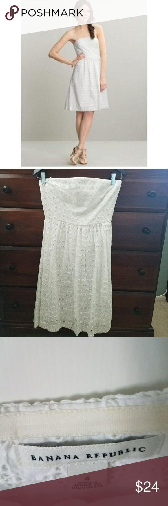 """BANANA REPUBLIC Strapless Sz 4 White Eyelet dress BANANA REPUBLIC Strapless Size 4 White Cotton Eyelet Summer Dress Classic Summer Dress from BANANA REPUBLIC. 100% Cotton White Eyelet Dress is strapless with built in bra and stays. Fitted bodice gives way to full skirt at waist. Concealed back zipper with hook-eye closure. Matching white 100% Cotton lining. This is a Beautiful Dress, a classic which will ALWAYS be in Style! In Excellent Condition!  Sizes 4: 32/34"""" bust, 28"""" Waist, 38/40""""…"""