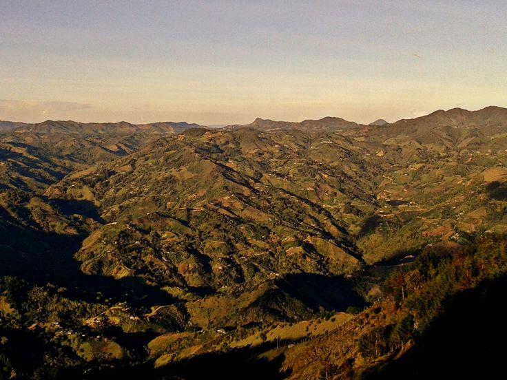 El Capiro desde Montebello- Cañón del Rio Miel