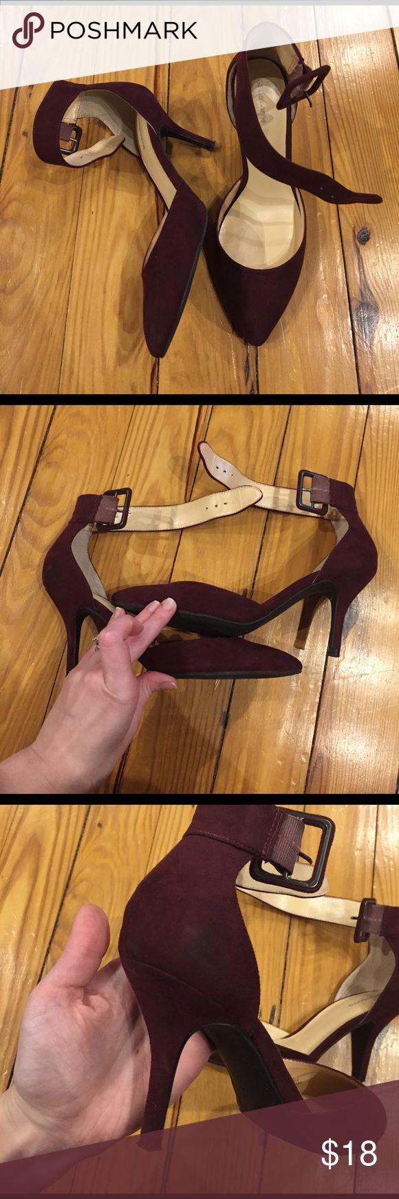 EUC liz Claiborne pumps Super cute maroon suede like ankle strap pumps Liz Claiborne Shoes Heels