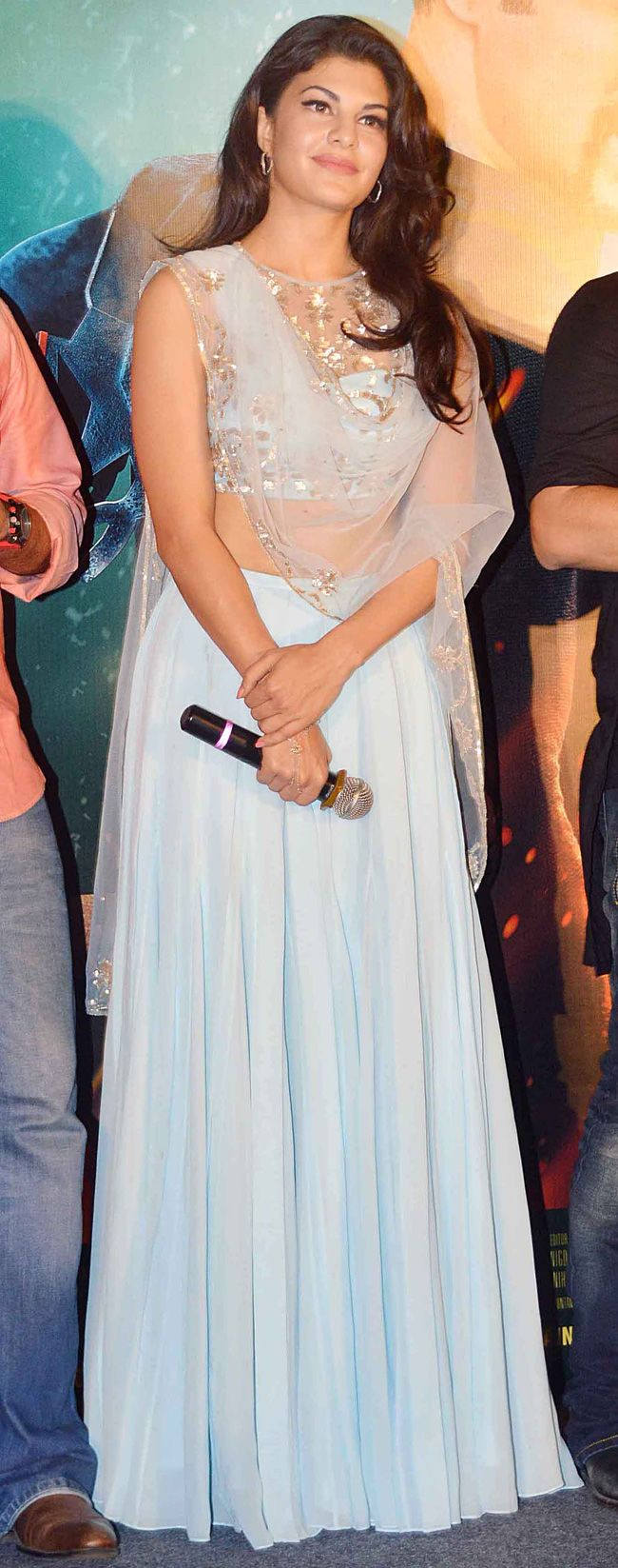 Jacqueline Fernandez looked stunning in sky blue outfit at 'Kick' trailer launch.