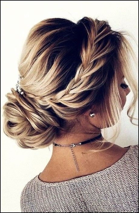 18 Stunning Upstyle Hairstyles for Short Hair
