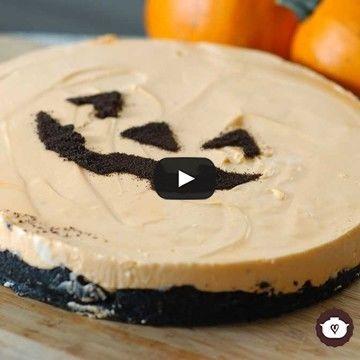 Prepara este rico postre y con un poco de imaginación hazlo divertido, para celebrar el Halloween. Cocina Natural, Halloween 2020, Halloween Stuff, Deli, Camembert Cheese, Cheesecake, Lunch, Snacks, Cookies