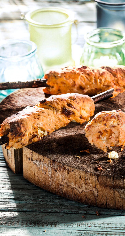 Stockbrot vom Grill mit Patros #patros #käse #feta #fetacheese #stockbrot #rezept #recipe #patroskaese #lecker #yum #foodpic #tasty #gesund #healthy