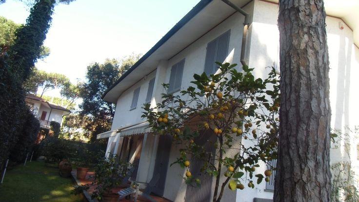 #luxuryvilla in #FortedeiMarmi www.villainversilia.it