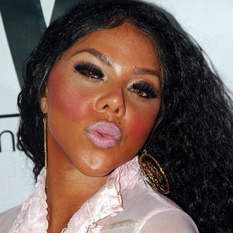 15 Of The Worst Celebrity Makeup Mishaps (Do They Own Mirrors???)   StyleBlazer