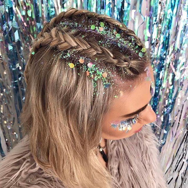 ✨HAPPY FRIDAY✨ Glitter braids we created on @jessicaharland_ ✨✨ Using our UNICORN GLITTER✨ Back in stock SOON!! ❤️❤️❤️❤️❤️  #Regram via @thegypsyshrine