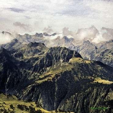 Paisajes naturales Pirineos nublados F00039 Wifred Llimona