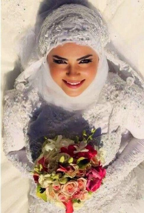 Wedding Dress Hijab http://bugelinlik.com/en/wedding-dress/1698